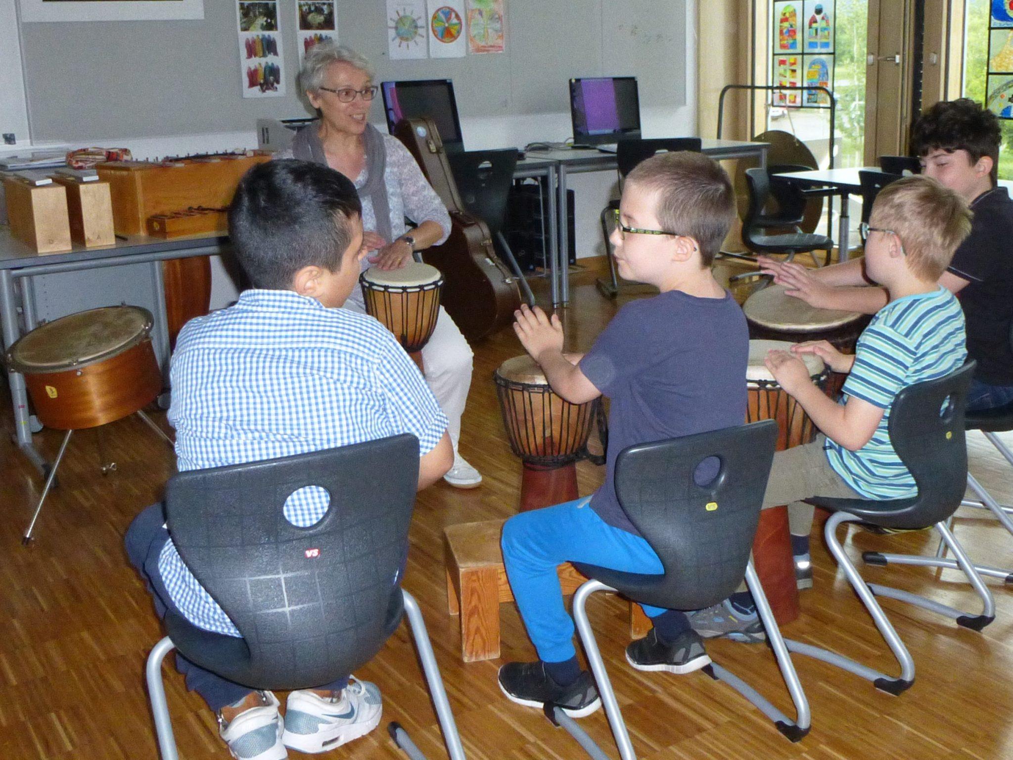 Musik und Bewegung (Musiktherapie) an der JMS