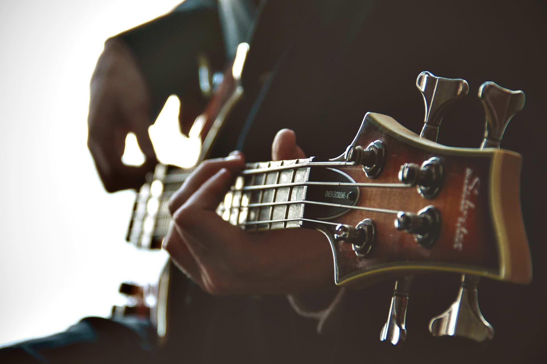 E-Bass lernen: E-Bass-Unterricht an der JMS