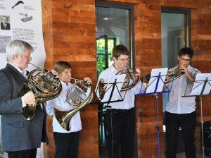 Musik für stille Genießer: Das Horn-Quartett der Jugendmusikschule Südlicher Breisgau unter der Leitung von Heiko Mazurek. (Foto: Rainer Ruther)